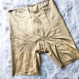 SPANX • Nude Shorts • Sz Large